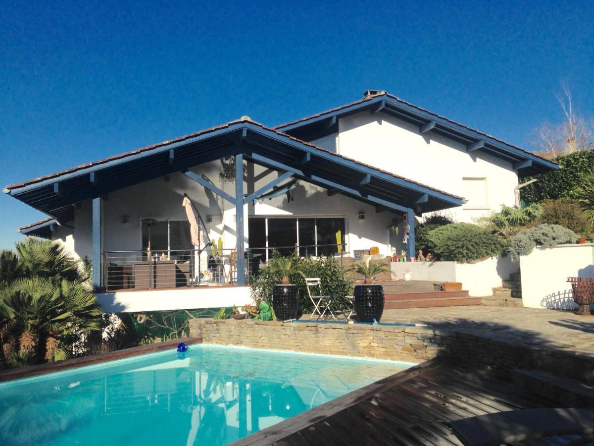Plan Ou Photo Pool House Pour Piscine villa piscine chauffée biarritz, bassussarry, france