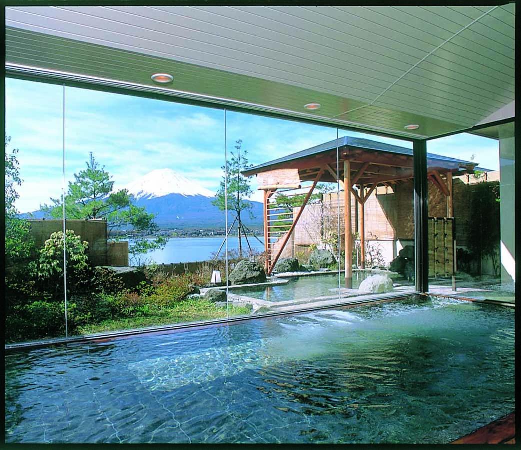 記念日におすすめのレストラン・秀峰閣 湖月の写真6