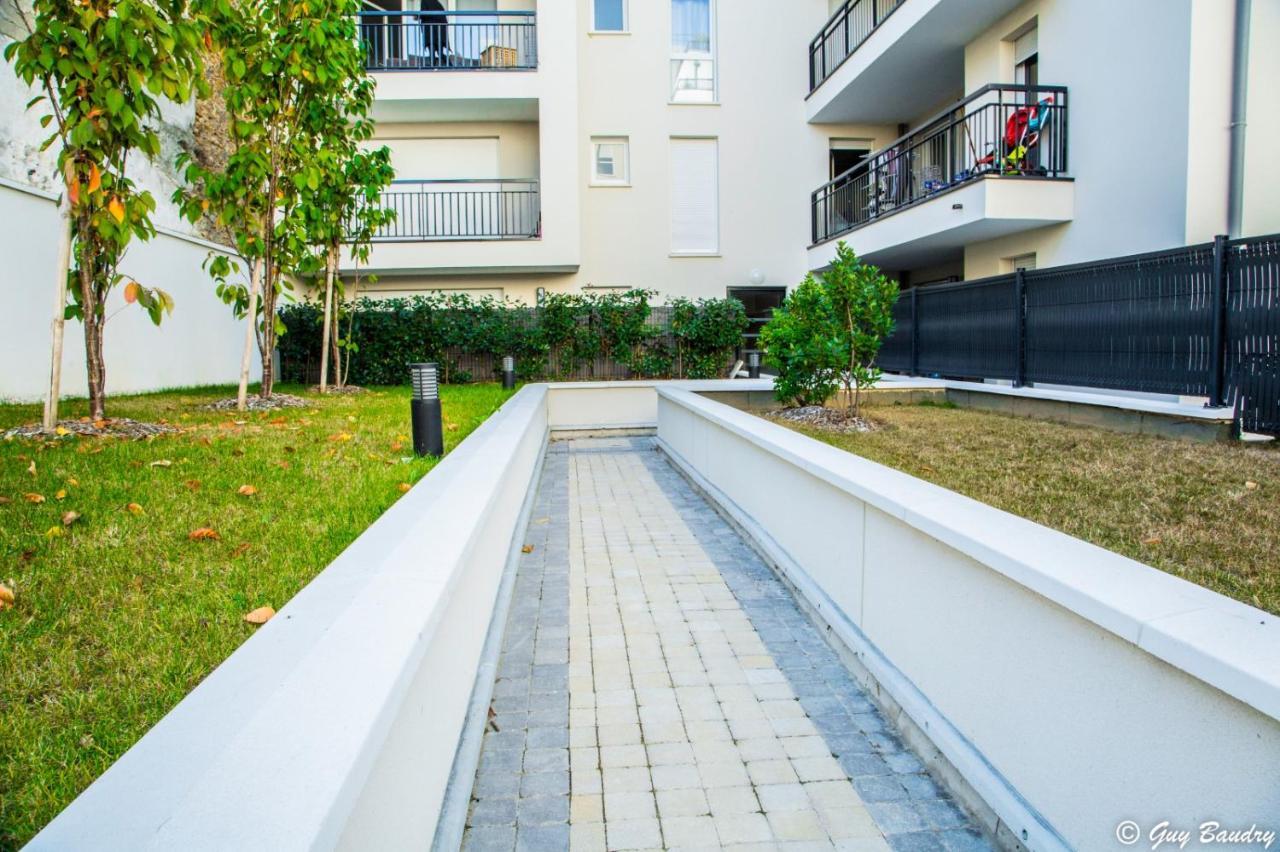 Japonais Val De Fontenay apartment chic apart with terrace, rosny-sous-bois, france