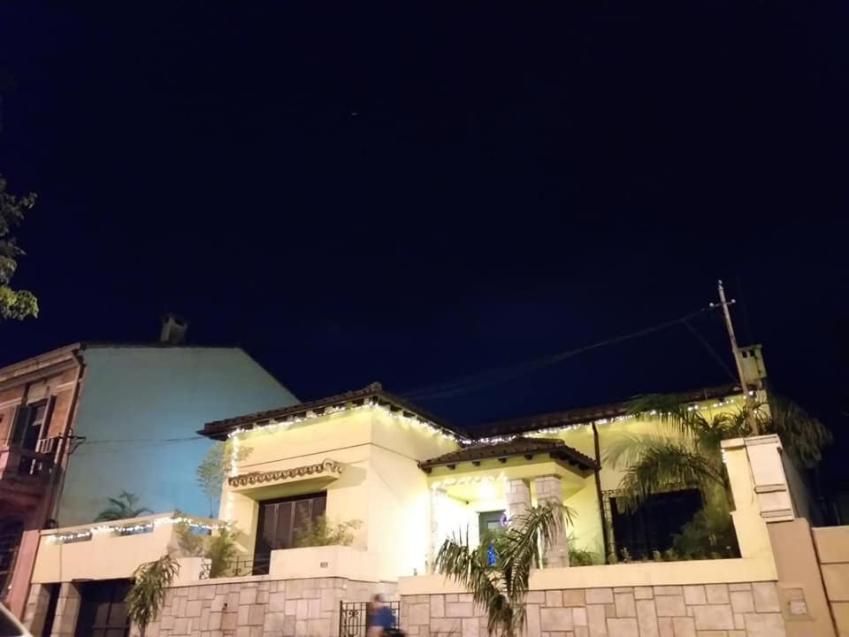Casa Amarilla En Asuncion Centro Paraguay Asuncion Paivitetyt