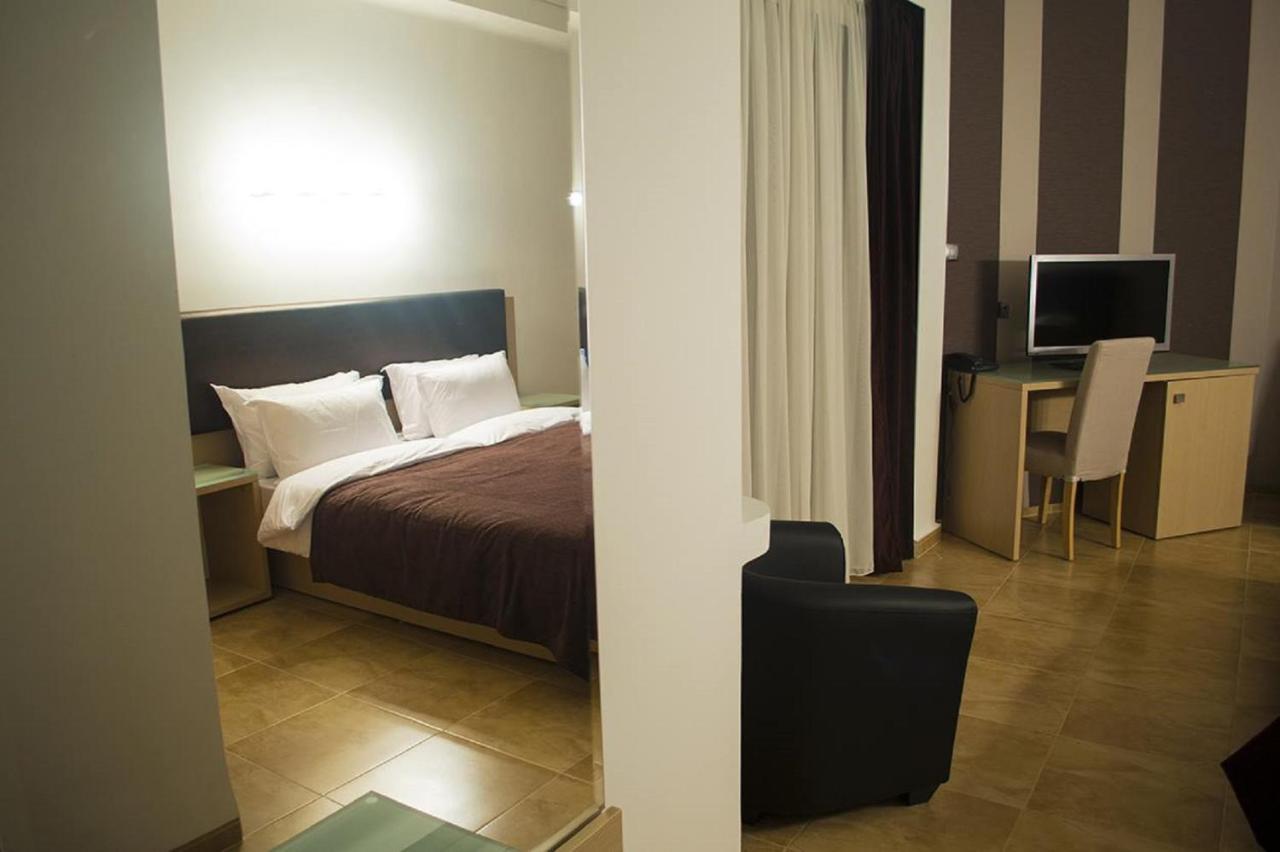 Отель  HOTEL L'EVENTAIL