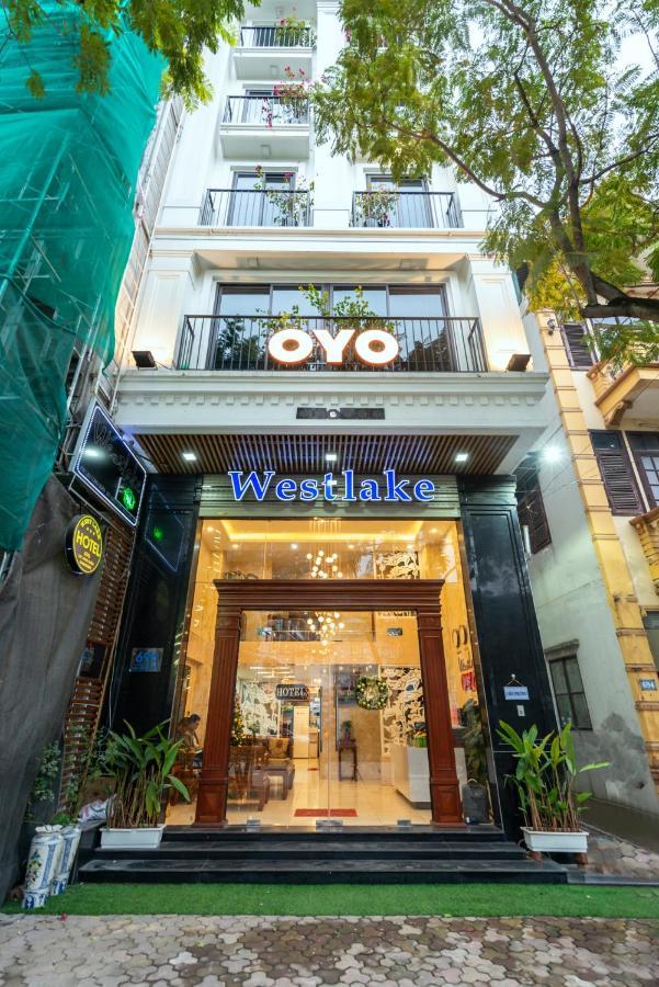 Отель  OYO 133 Westlake Tay Ho Hotel
