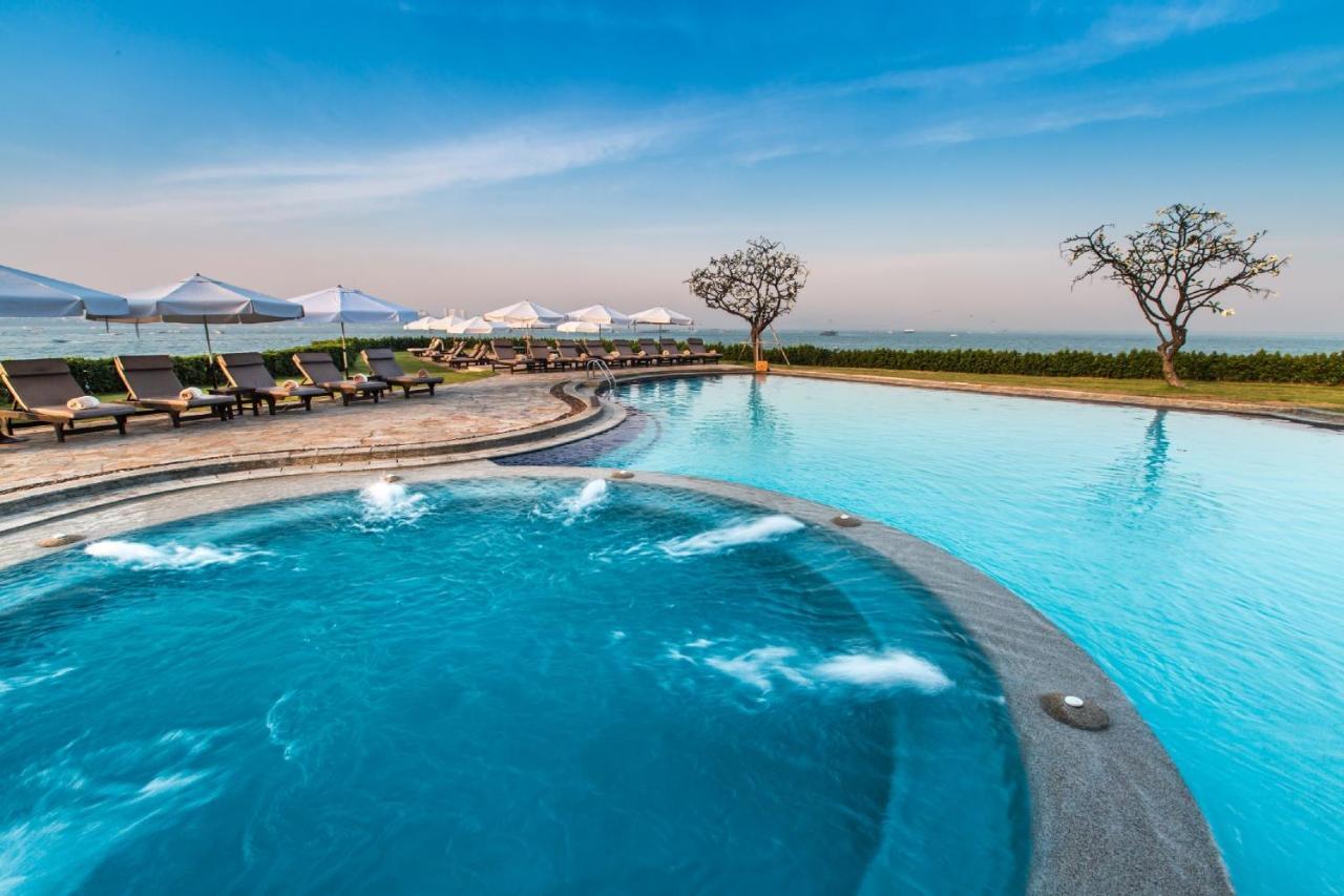 โรงแรมดุสิตธานี พัทยา (Dusit Thani Pattaya)