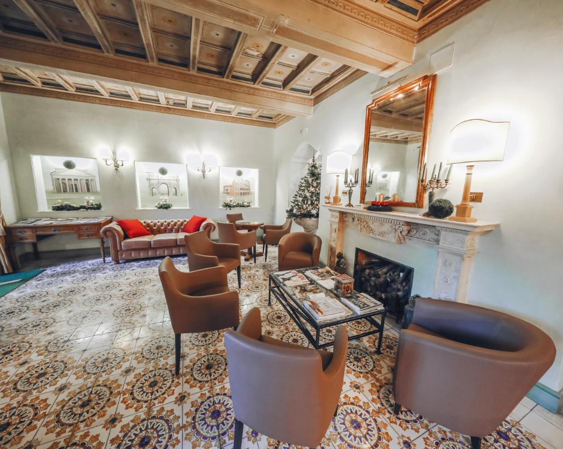 Отель  Отель  Hotel Villa Grazioli