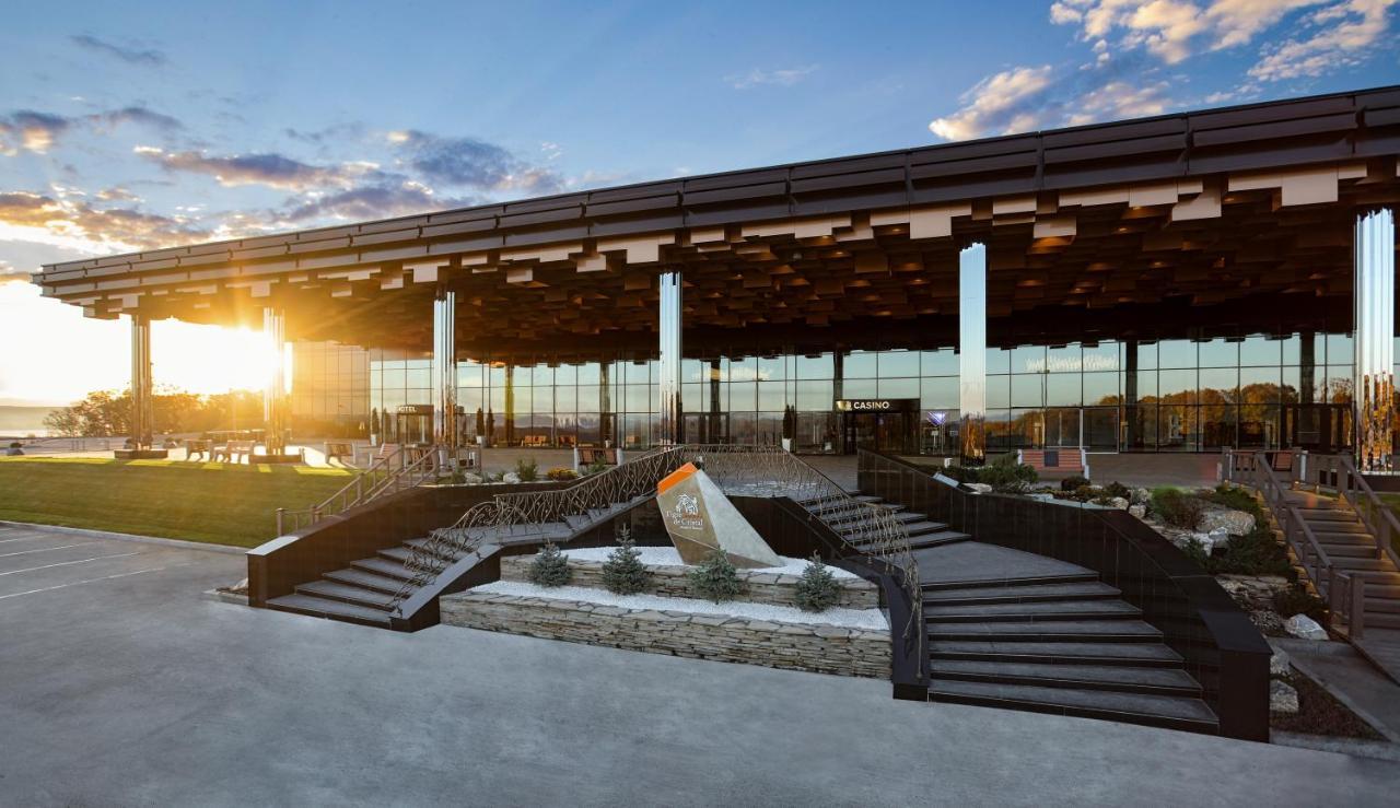 Отель Tigre De Cristal Resort & Casino Владивосток
