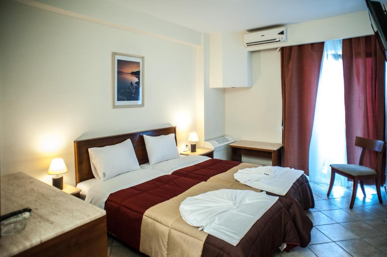 Отель  Hotel Aigli