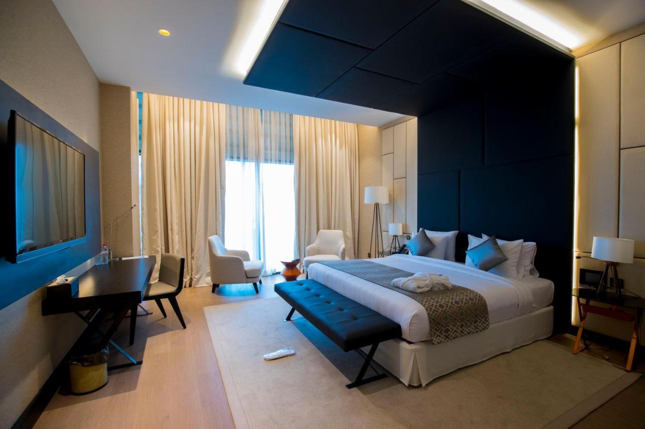 Отель  Отель  Grand Hotel De Kintele -The Leading Hotels Of The World
