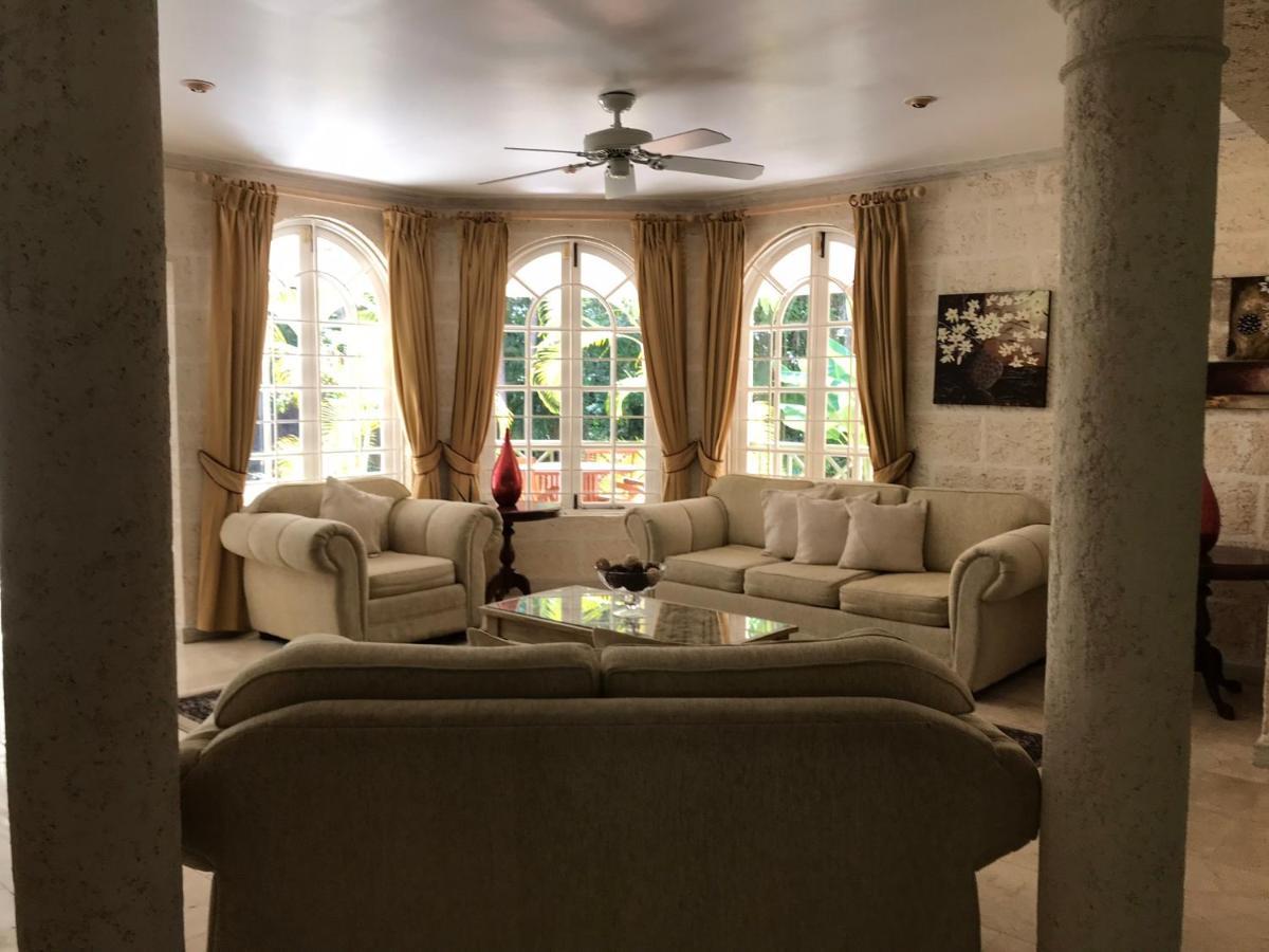 Дом для отпуска  Clemrose House And Cottage