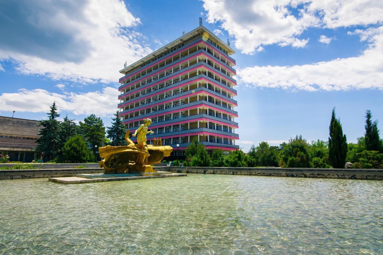 Курортный отель  Санаторий «Таврия»
