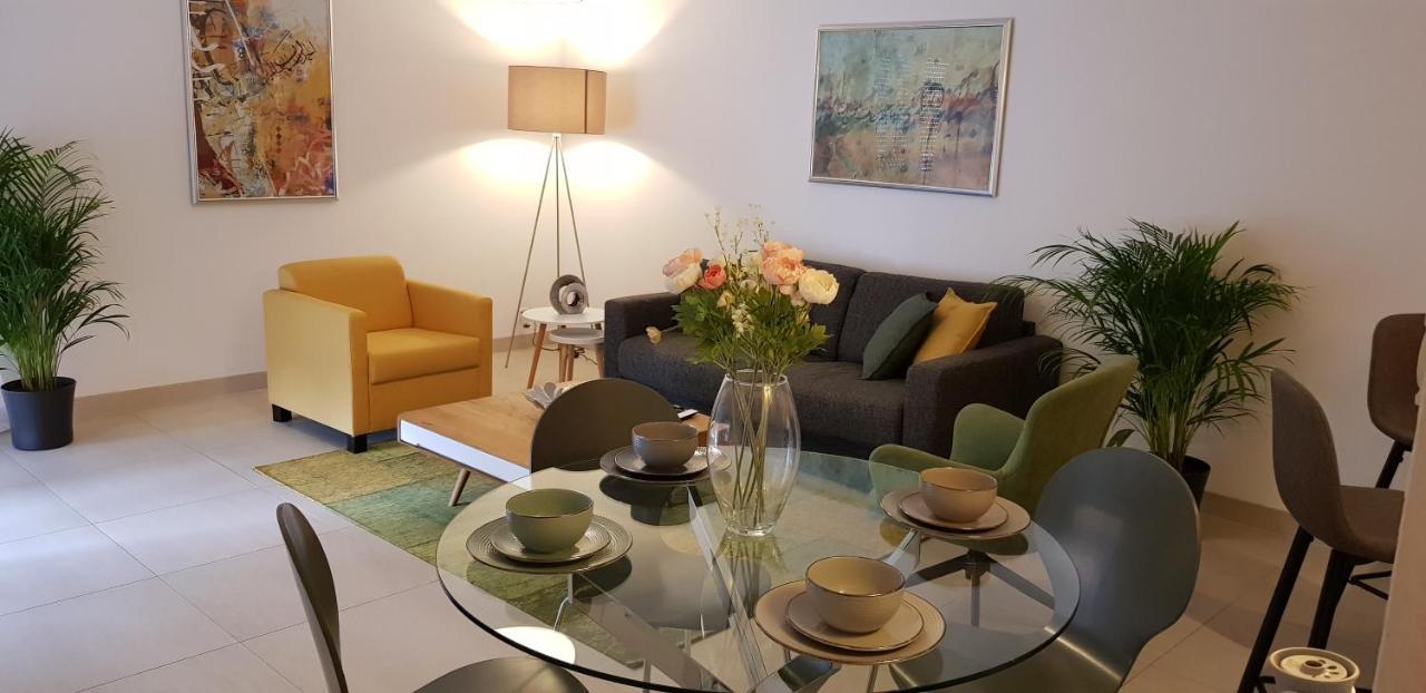 Апартаменты/квартиры  Montreux LakeView Residence
