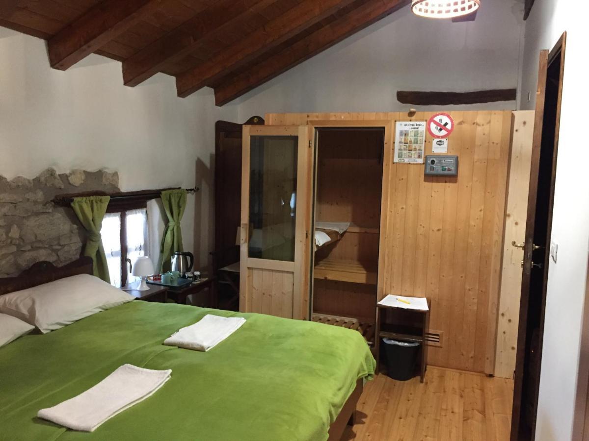 Vecchio Materiale Da Copertura guesthouse il riccio e il gufo, cepletischis, italy