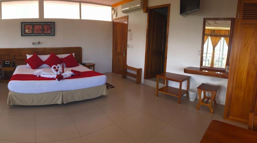 Hotel Dejavu Puerto Ayora Ecuador Booking Com