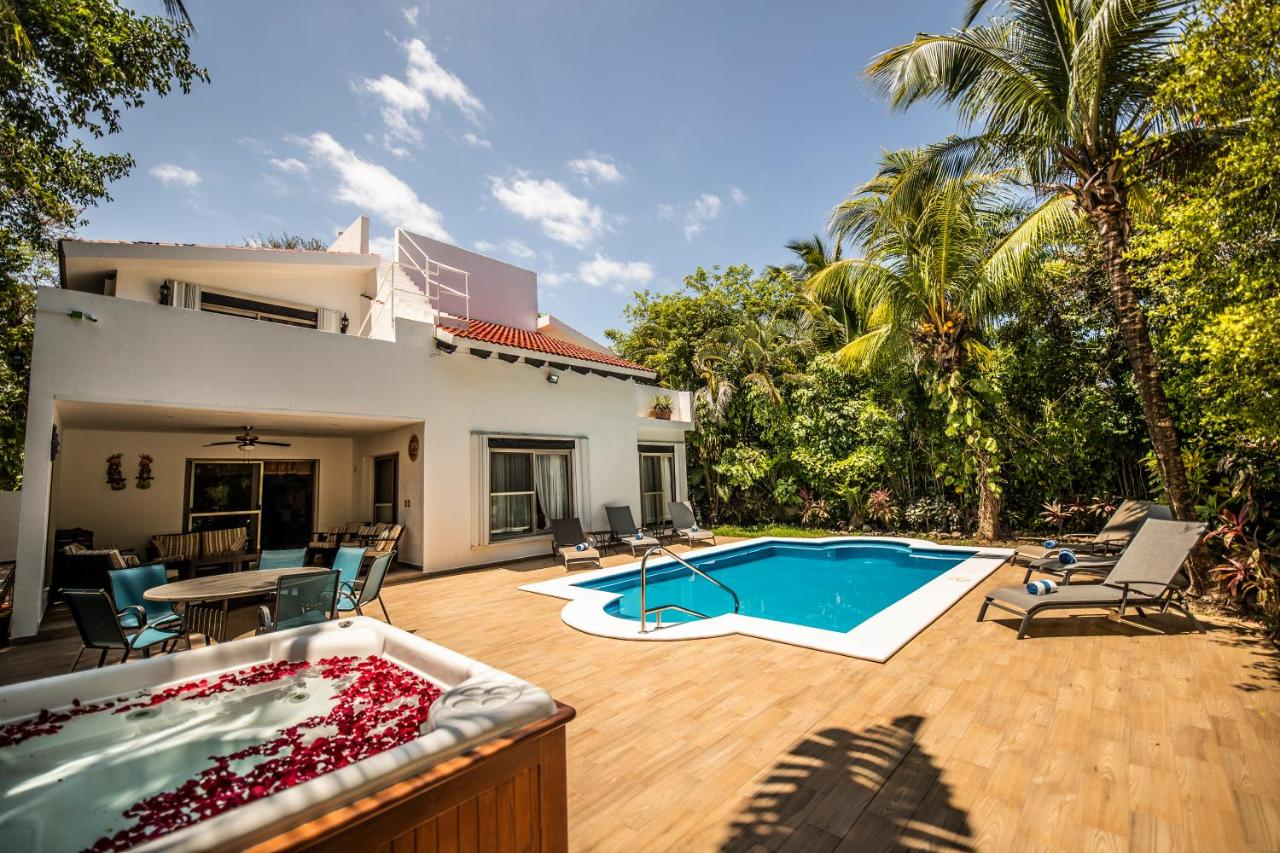 Villa Casa Sol de la Playa, Playa del Carmen, Mexico ...