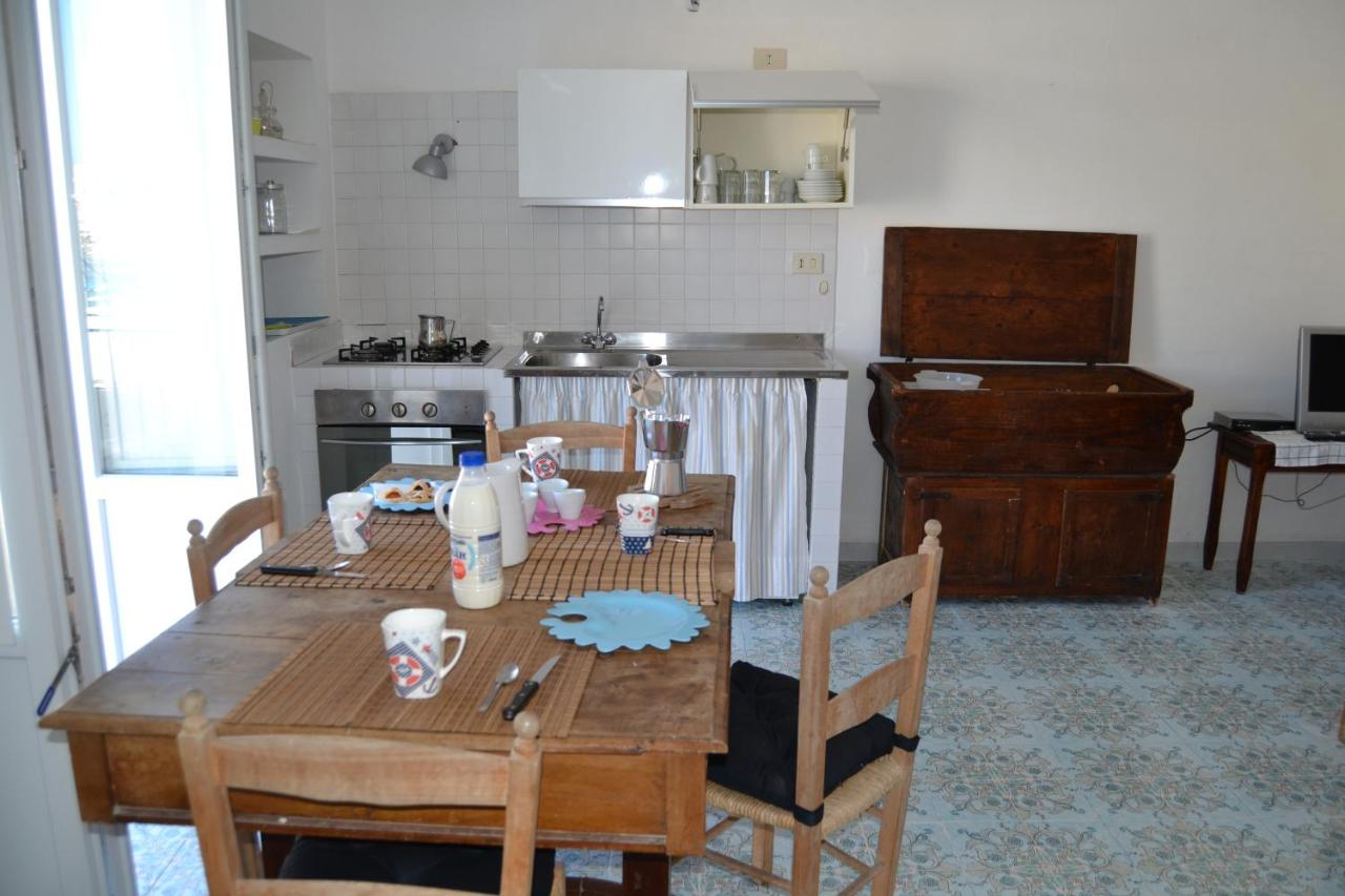 Lavandino Cucina Con Gocciolatoio apartment maridea - mascalzone latino, ponza, italy