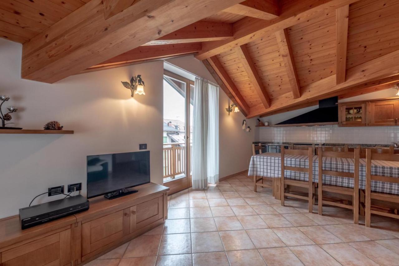 Mobili In Legno Massiccio Trentino apartment la ciasa dei simoni, fai della paganella, italy