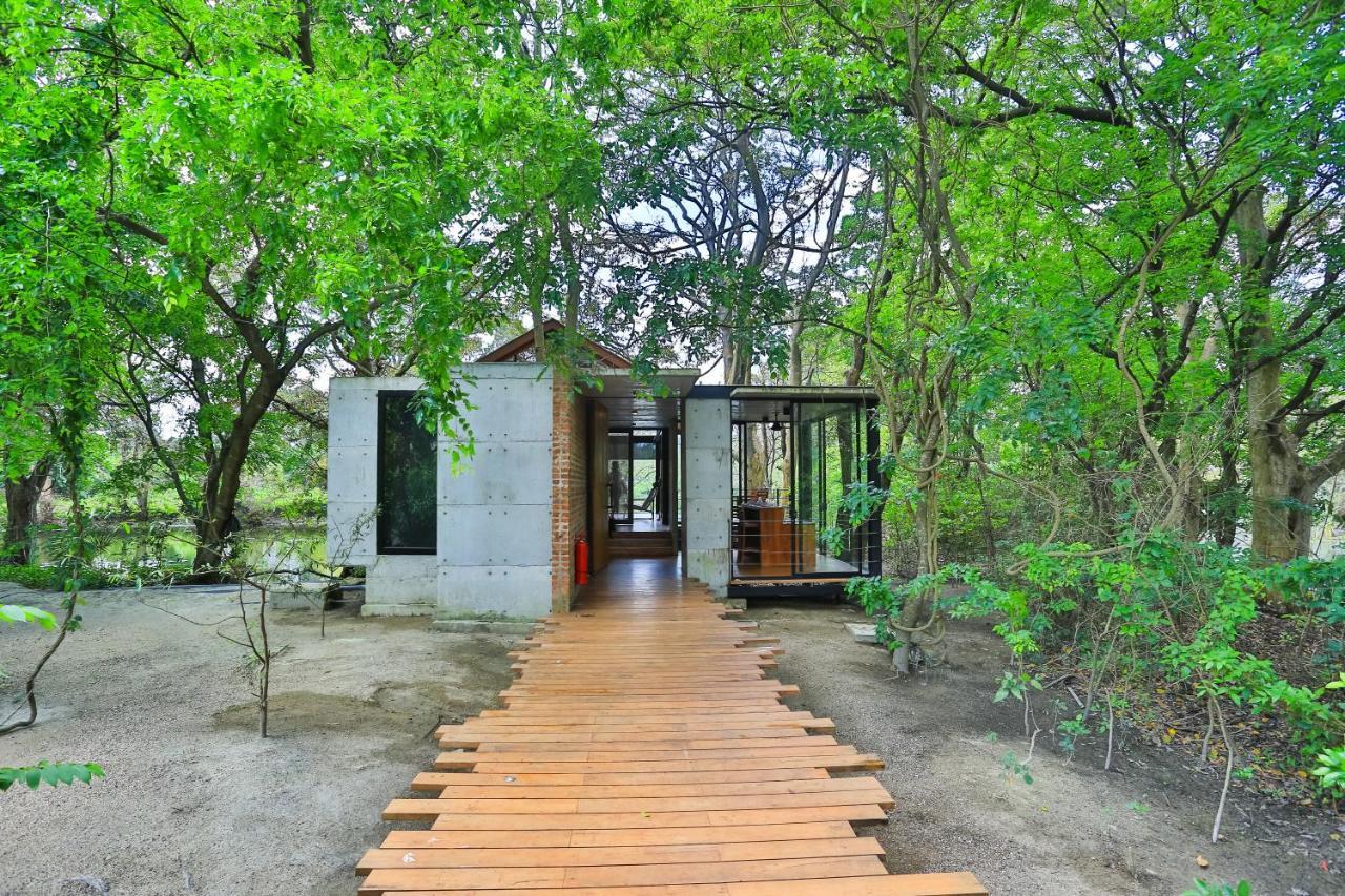 Курортный отель  Kalundewa Retreat