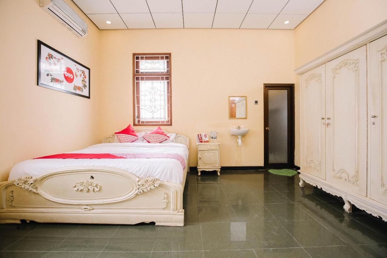Отель  OYO 986 Authentic Osing Residence