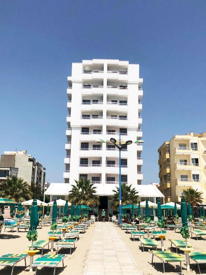 Отель  Perandor Beach