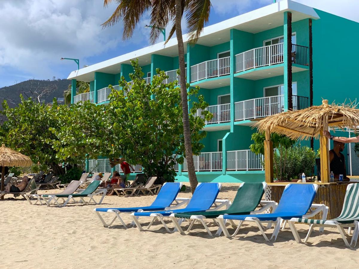 Курортный отель  Emerald Beach Resort