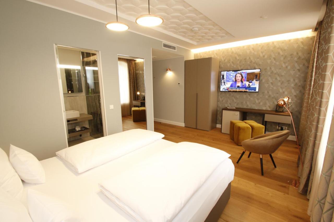 Amelie Hotel & Appartements Landau April 2019