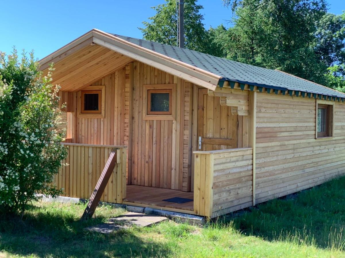 Tranquil Log Cabin Retreat in Šventoji