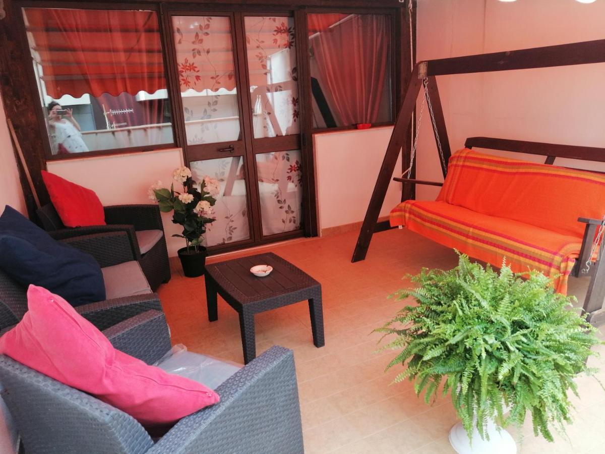 Sedie A Dondolo Per Terrazzo apartment la terrazza, trapani, italy - booking