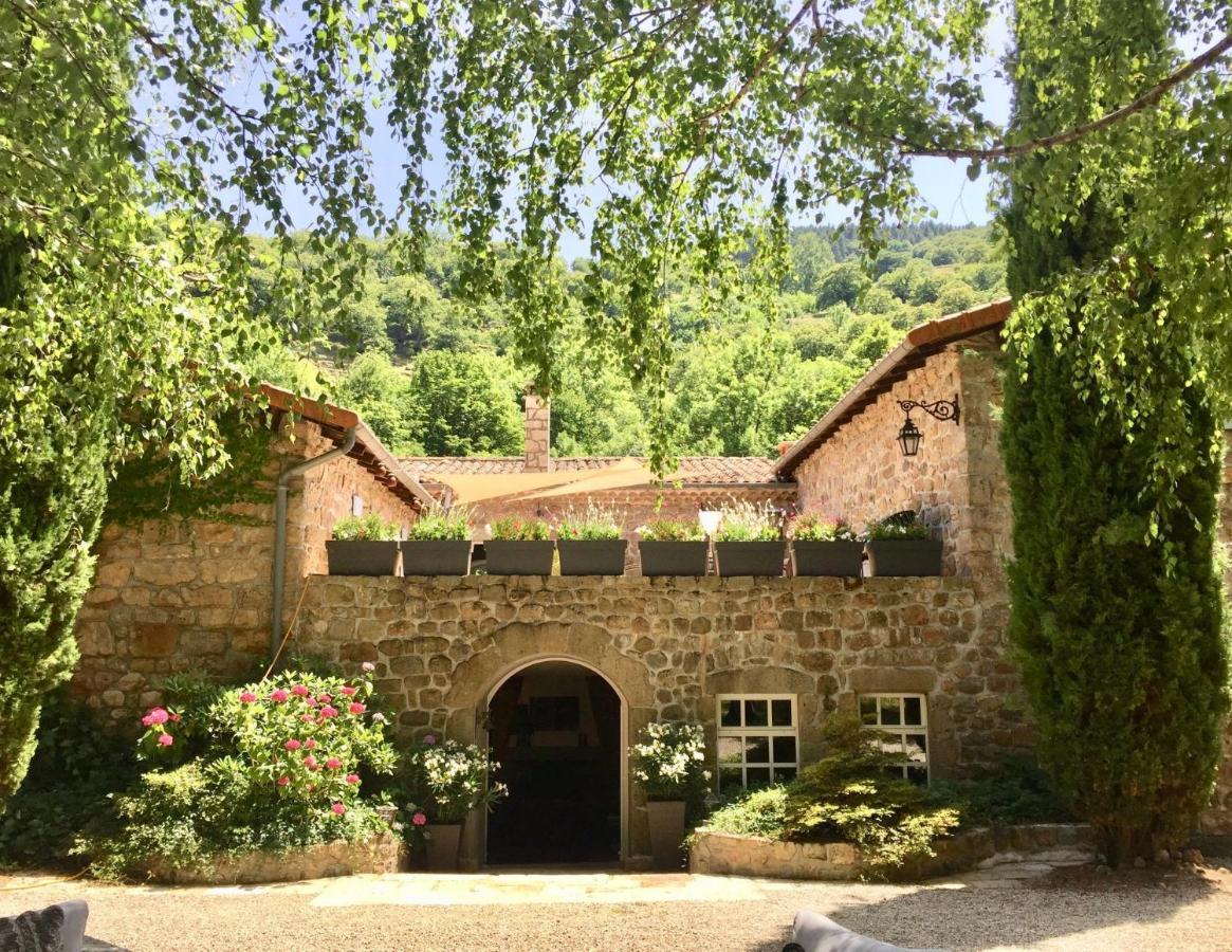 Construire Un Pool House guesthouse le moulinage chabriol, saint-pierreville, france