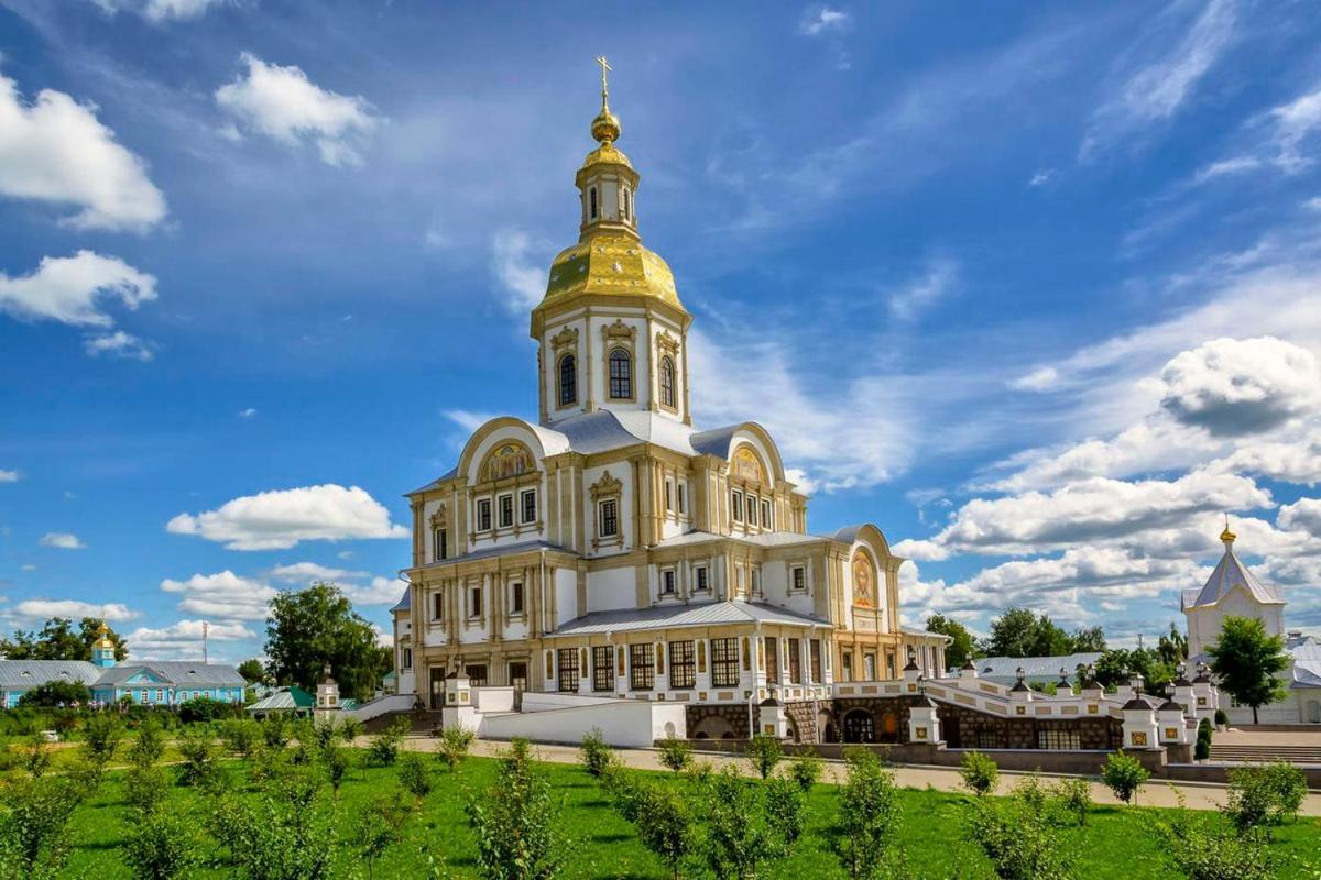 Апартаменты  Двухкомнатная квартира на Российской 2