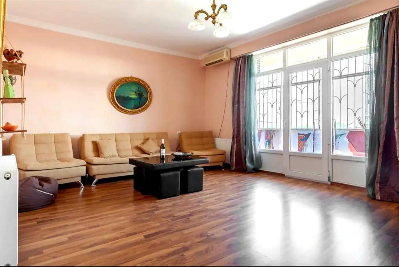 Апартаменты/квартира  Tornike`s Apartment