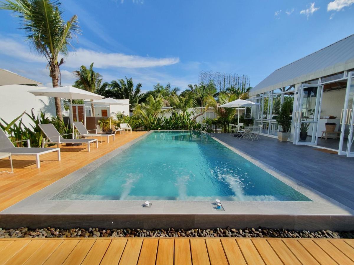 Курортный отель  MEET Boutique Resort