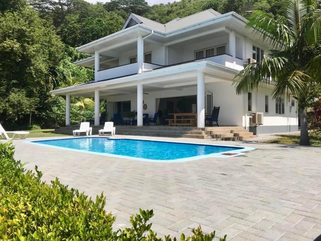 Дома для отпуска  Blue Horizon Villas