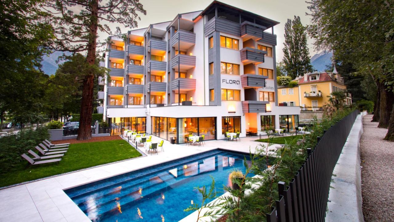 Отель  Flora Hotel & Suites