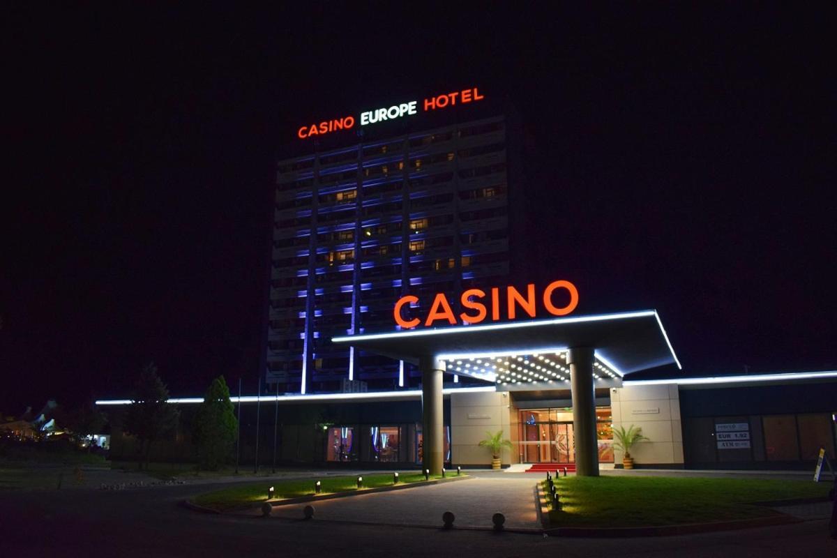 Залежність від азартних ігор називається