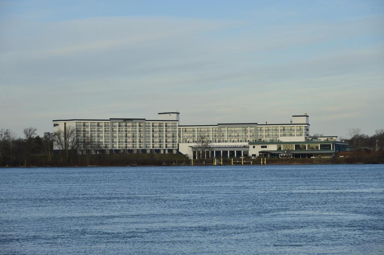 Отель  Отель  Radisson Hotel Niagara Falls-Grand Island