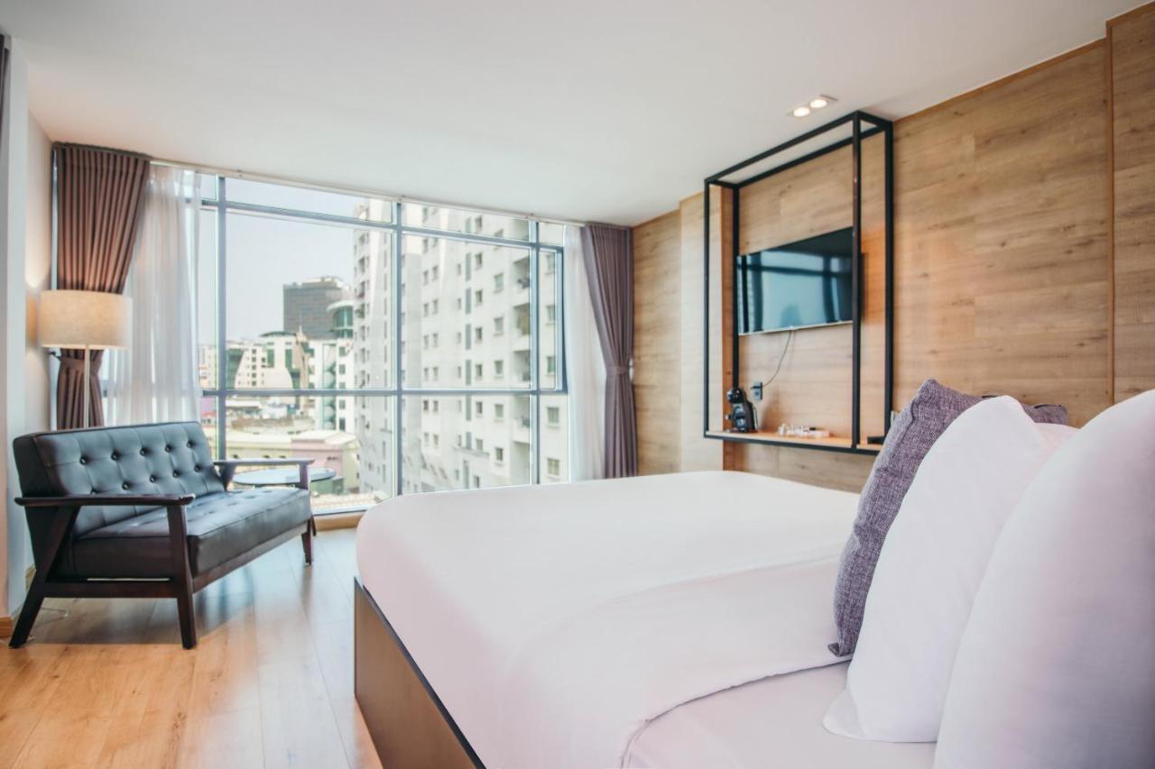 Отель  Chill Suites