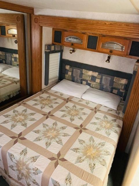 هتل Calusa Campground