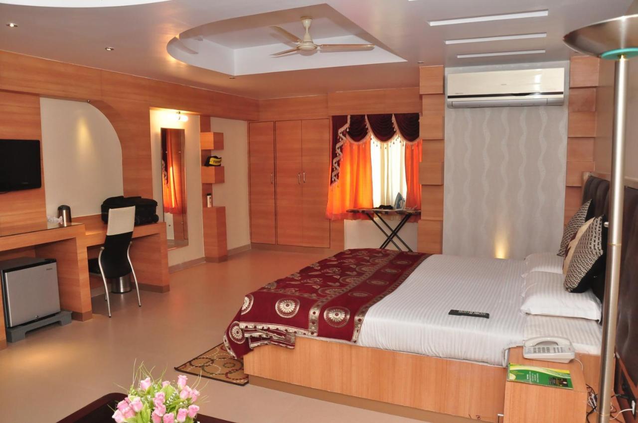 hotelpalashresidency