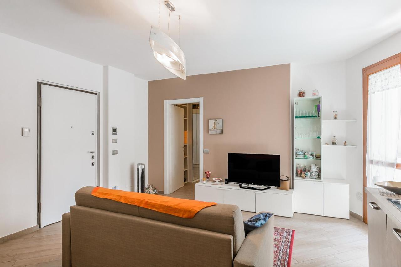 Home Design Busto Arsizio apartment soggiorno le azalee, busto arsizio, italy