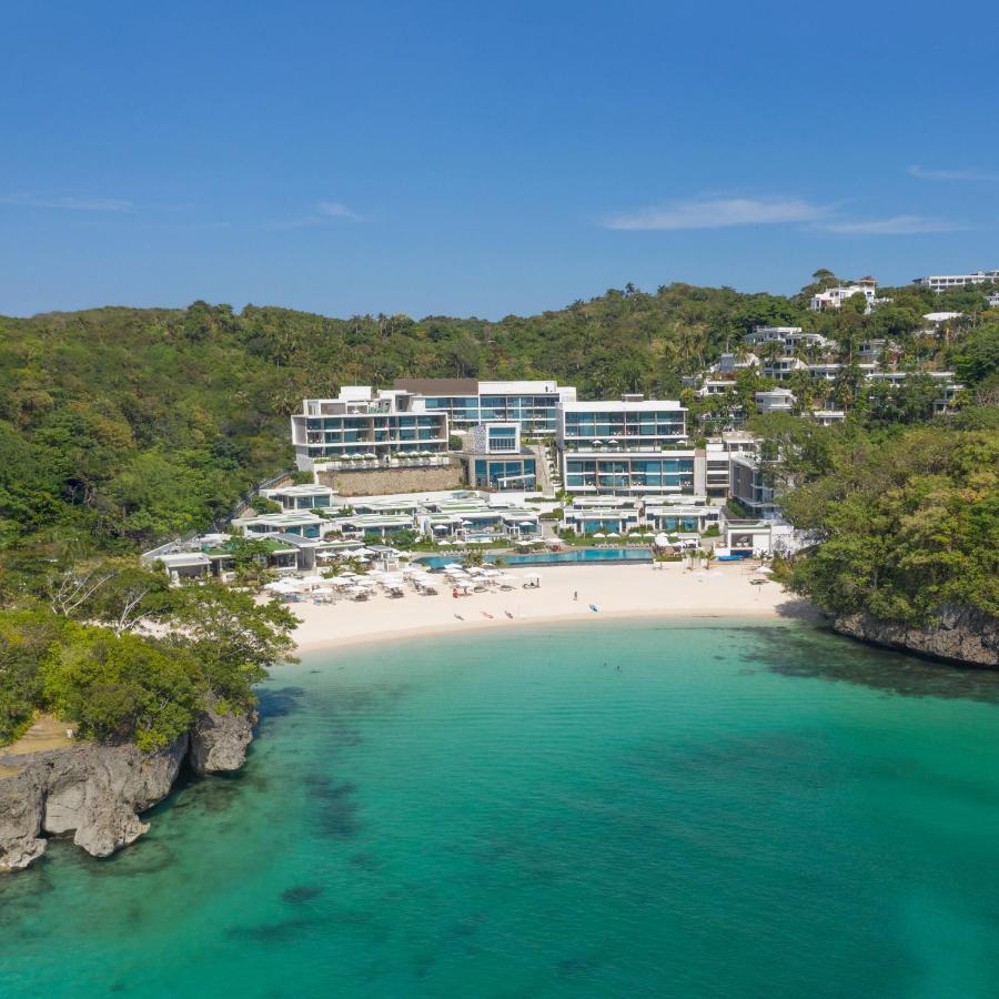 Курортный отель  Crimson Resort And Spa Boracay