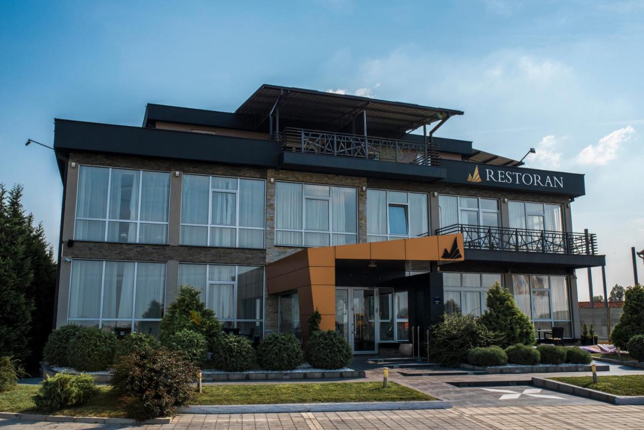 Отель  Hotel Euforia Lounge