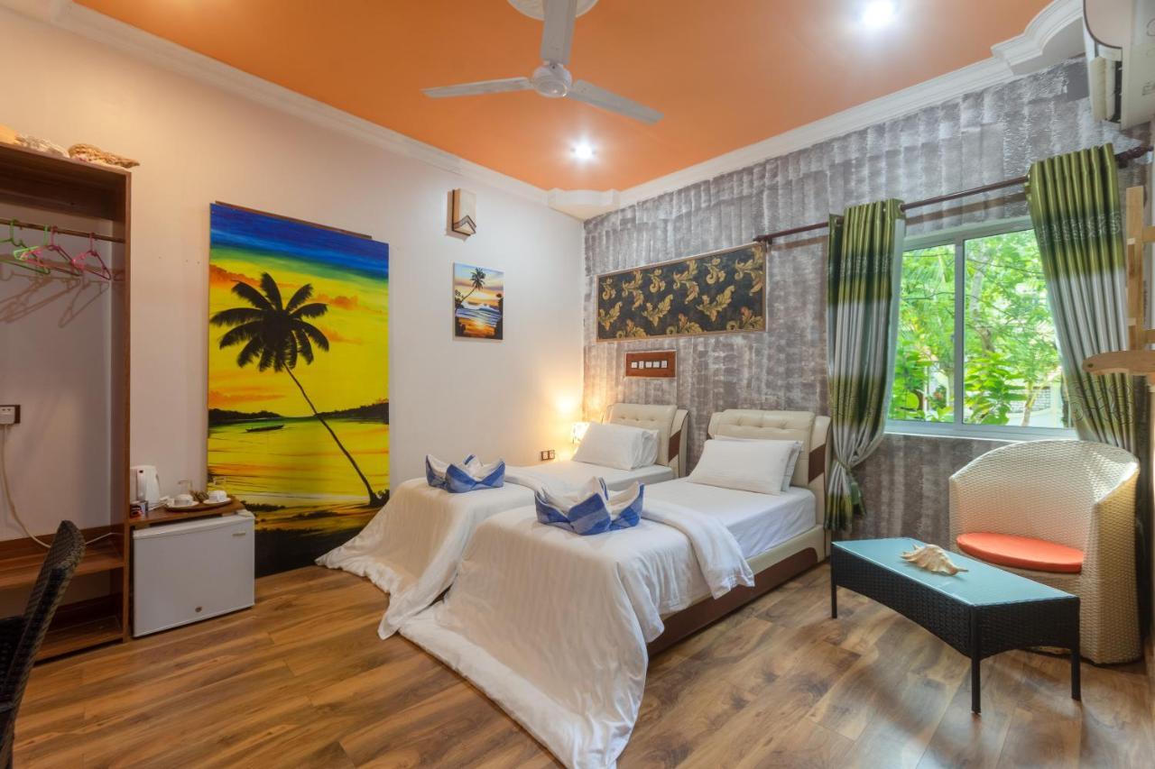 мальдивы отели с бикини-пляжем