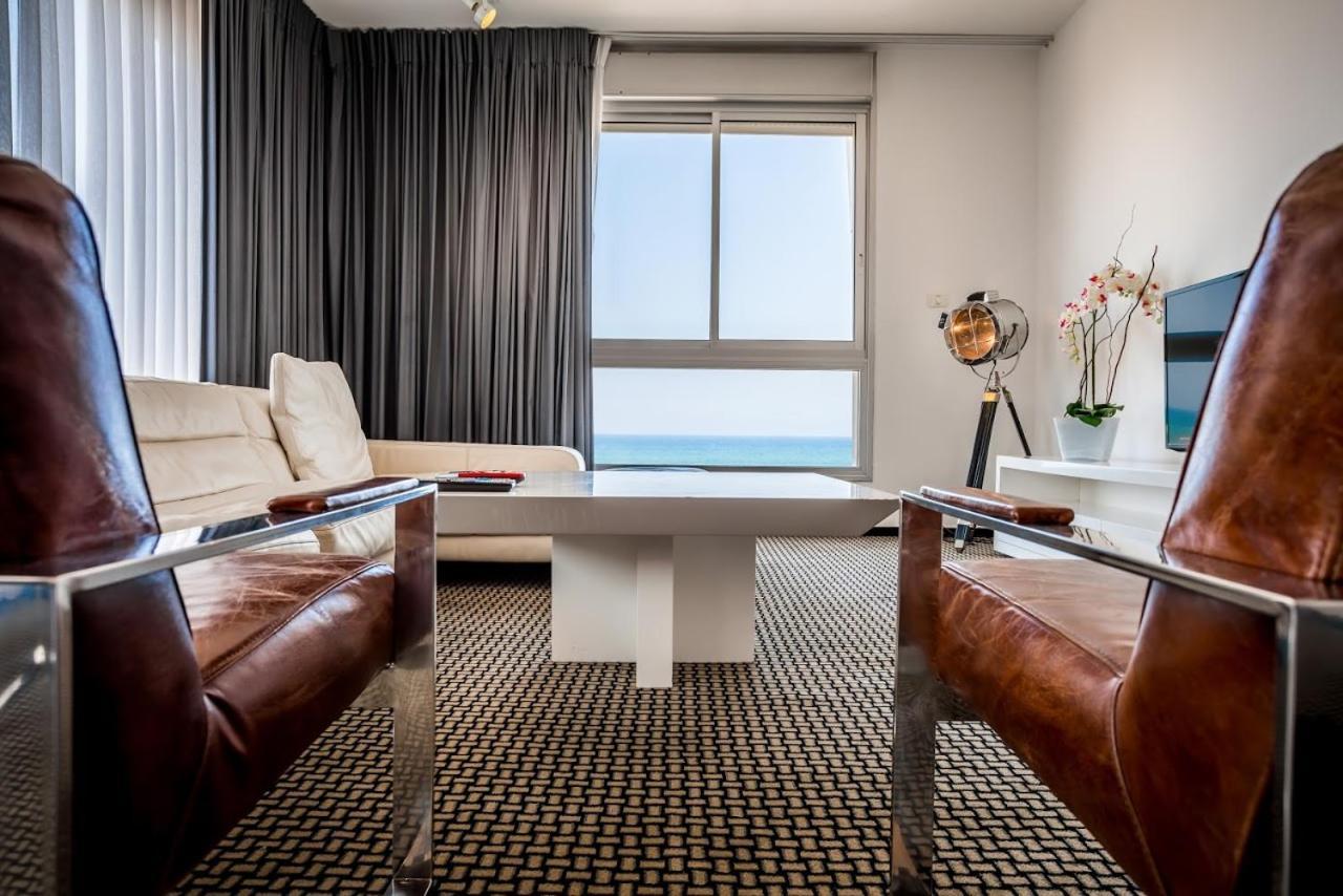 Отель  Beach Luxury Apartments And Suites