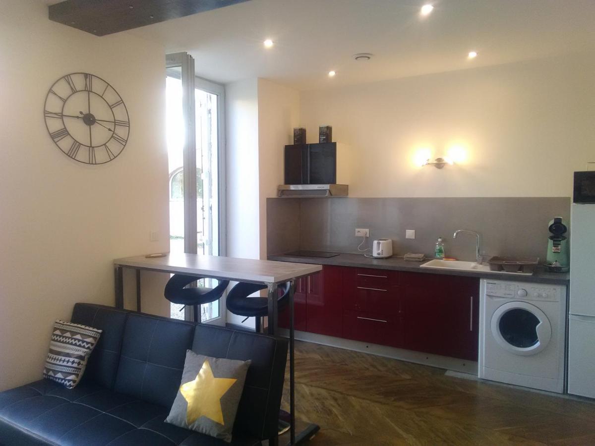 Confort Bain Design Bois Guillaume apartment ***les apparts rue de belleville***, villefranche