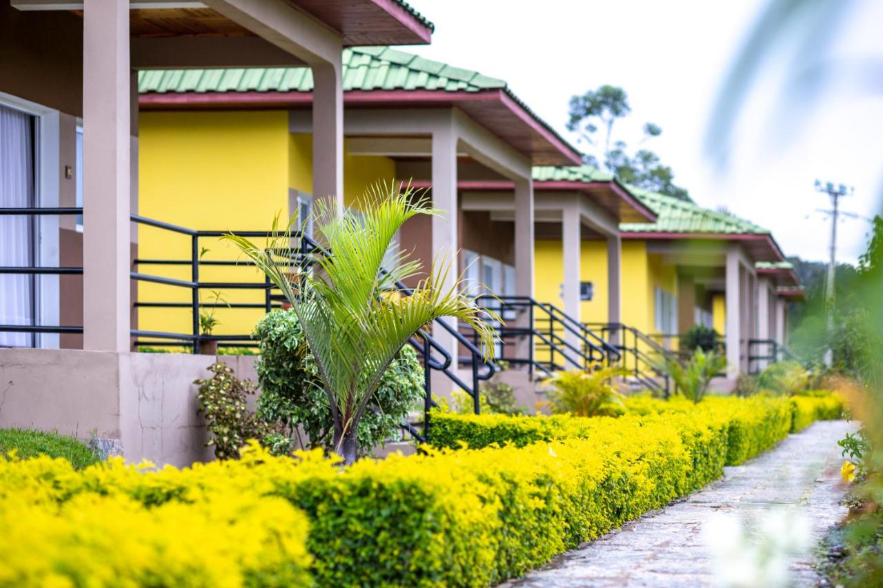 Лодж  Andasibe Lemurs Lodge