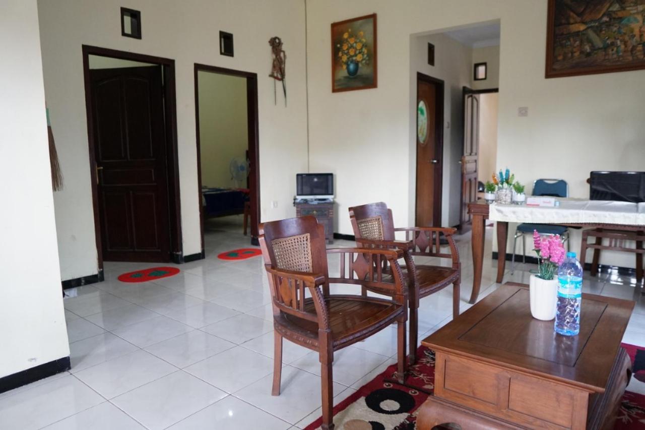 Проживание в семье  Mutiara Homestay Malang