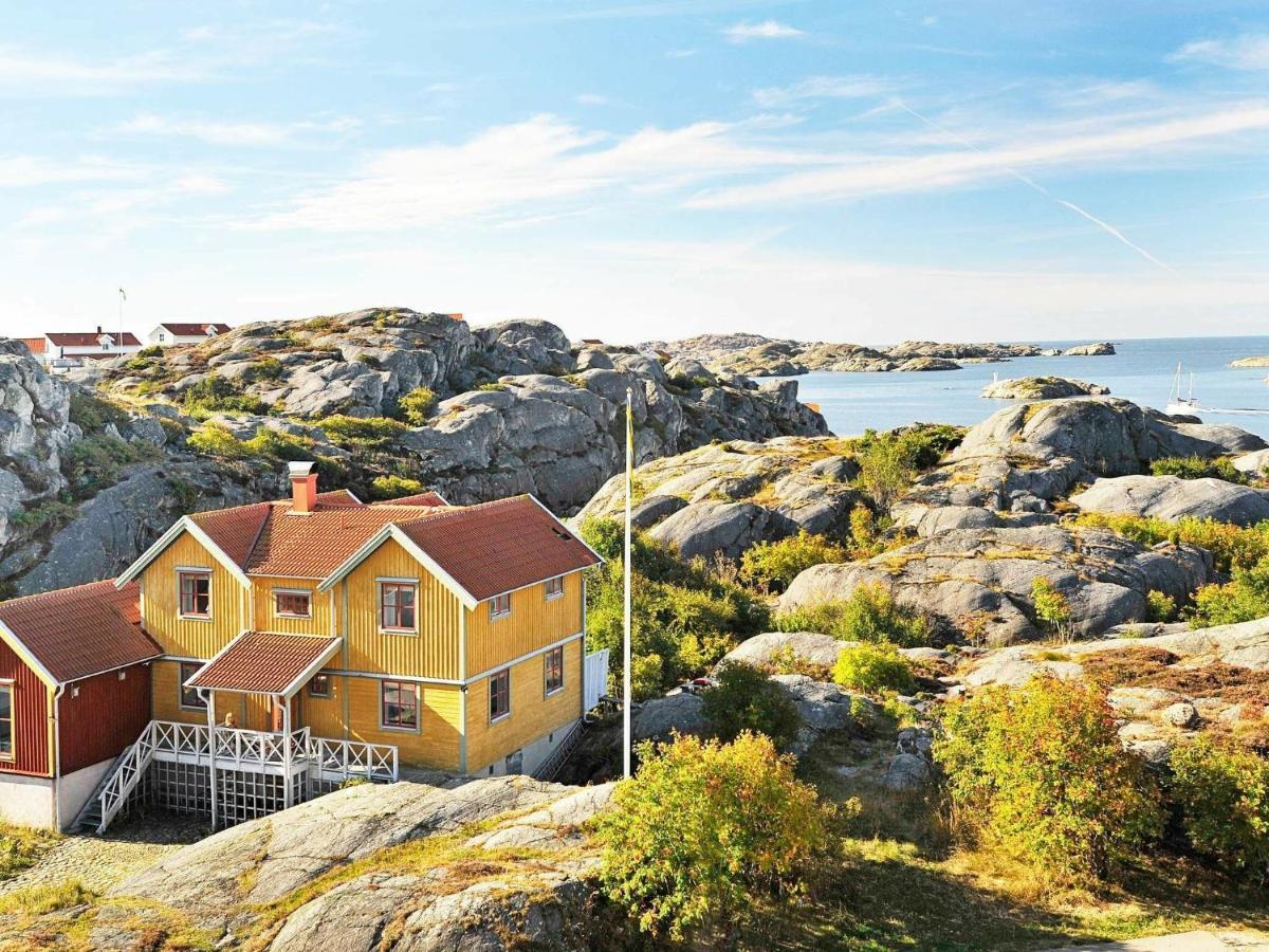 Stor lantlig villa vid kusten - Houses for Rent in Skrhamn