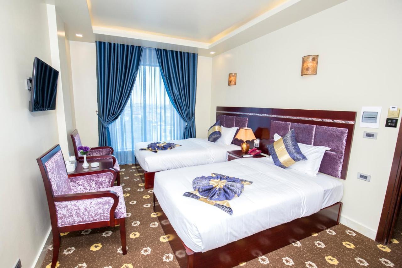 Отель  Отель  Gallant Hotel 168