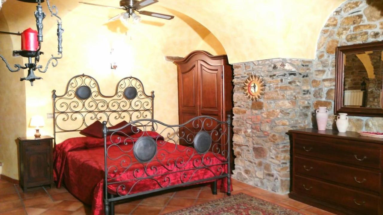 Candelabri Maison Du Monde soggiorno romantico in antico borgo vicino al mare, terzorio