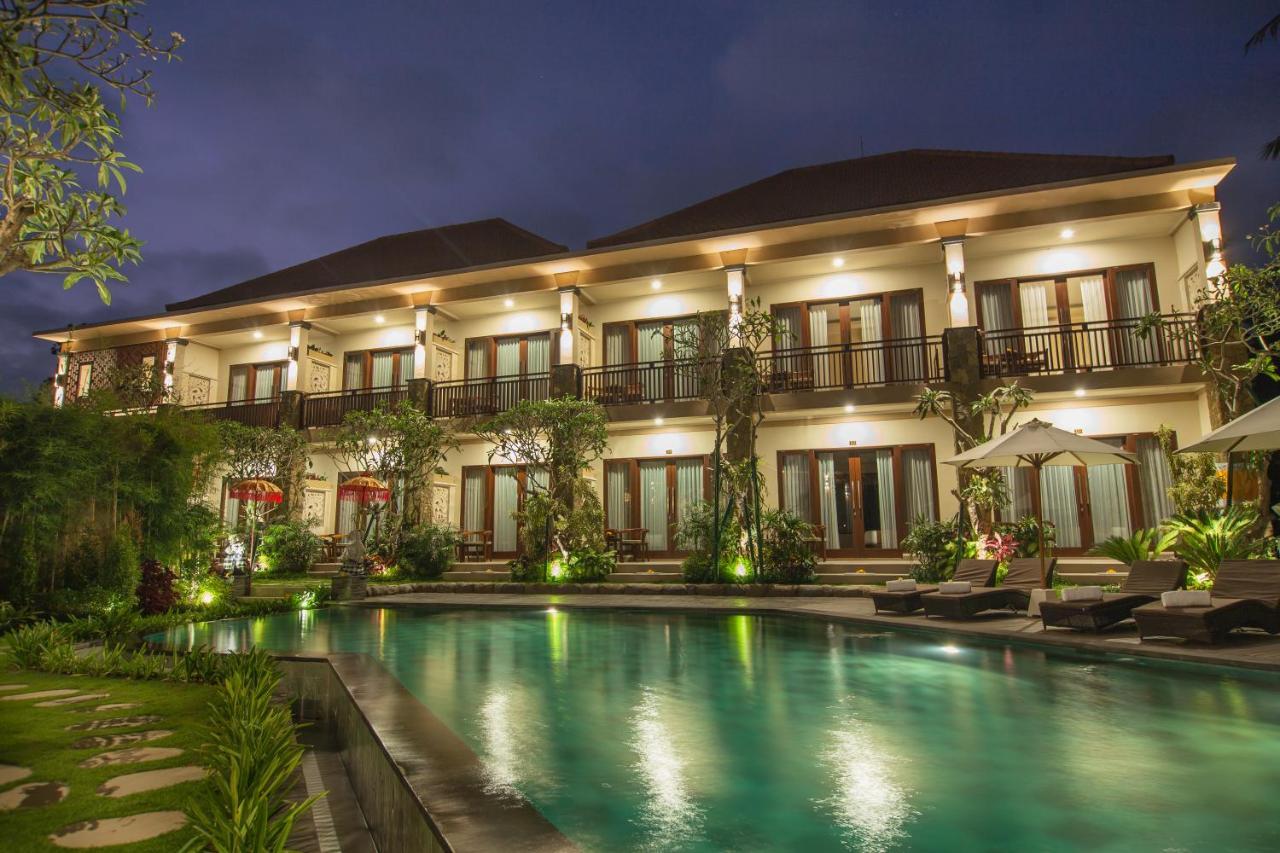 Курортный отель  The Mudru Resort