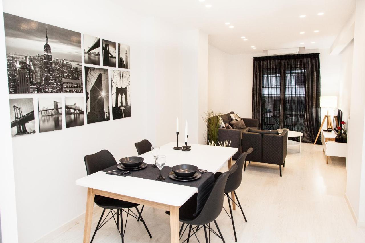 Апартаменты/квартира  Modern, Glamorous Apt In Athens DT (2beds/2baths)
